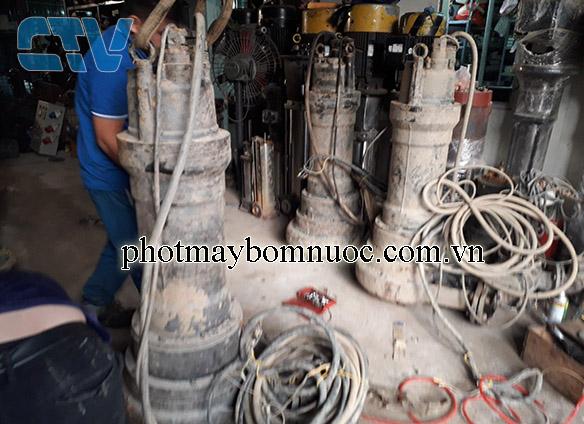 Sửa máy bơm chìm nước thải Ebara