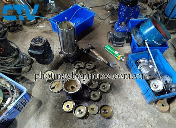 Sửa máy bơm trục đứng khi bị hỏng buồng bơm tại Cường Thịnh Vương