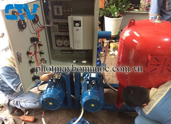 Hệ thống máy bơm tăng áp điều khiển bằng biến tần